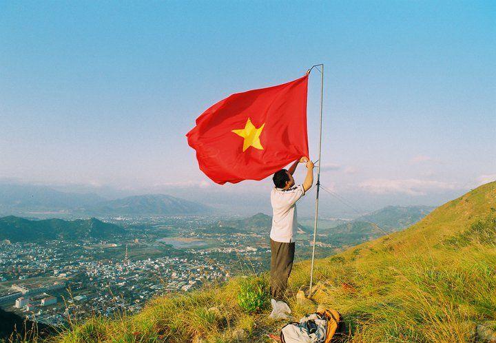 Hình ảnh đẹp về lá cờ đỏ sao vàng