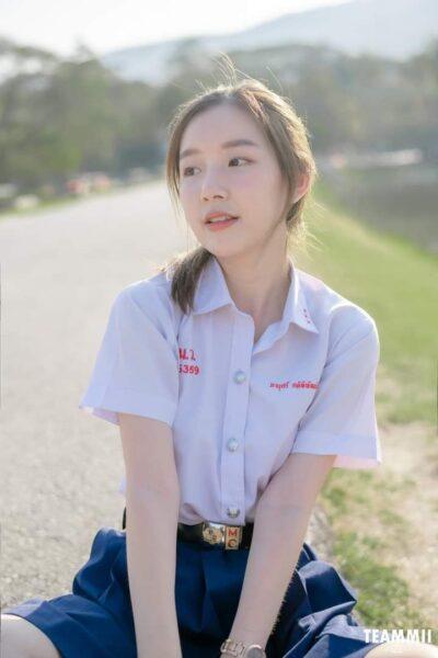 hình ảnh gái xinh học sinh mặc đồng phục cấp 3 cá tính