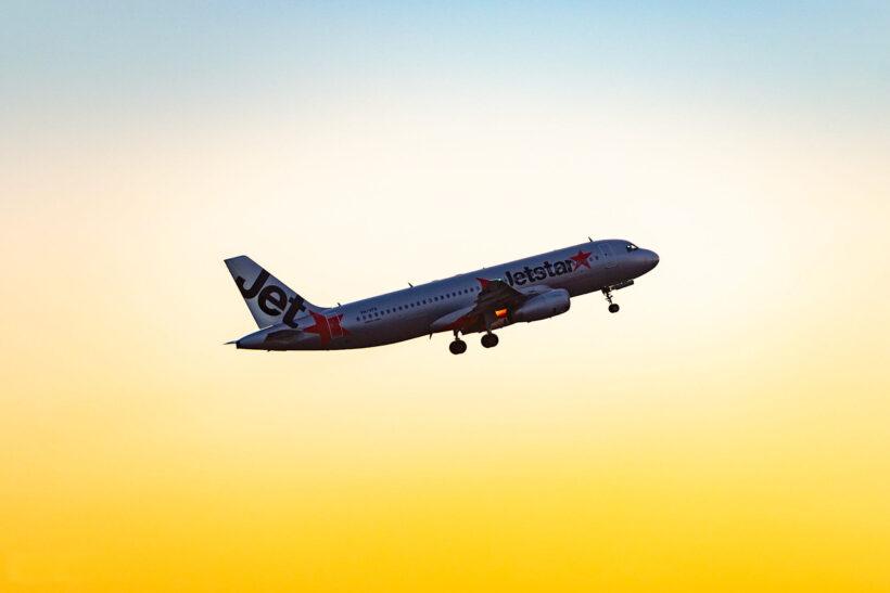 hình ảnh máy bay jetstar