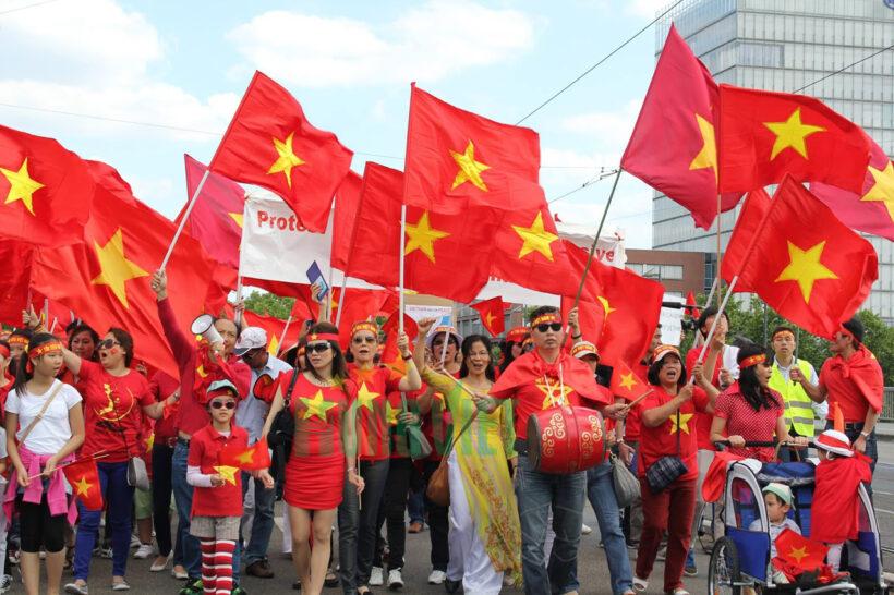 Hình ảnh những cờ đỏ sao vàng