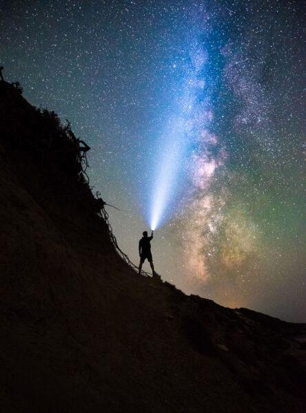 Hình bầu trời đêm đẹp đầy sao