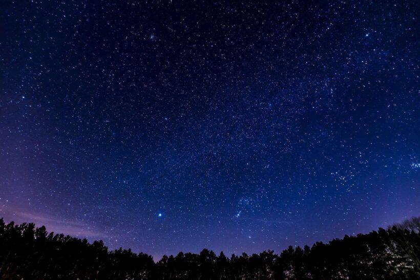 Hình nền bầu trời đêm đẹp lung linh ánh sao