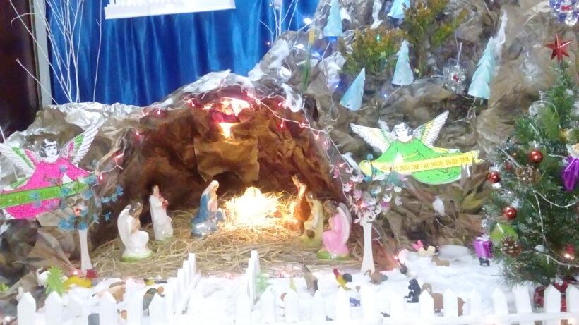 hang đá Giáng Sinh tuyệt đẹp