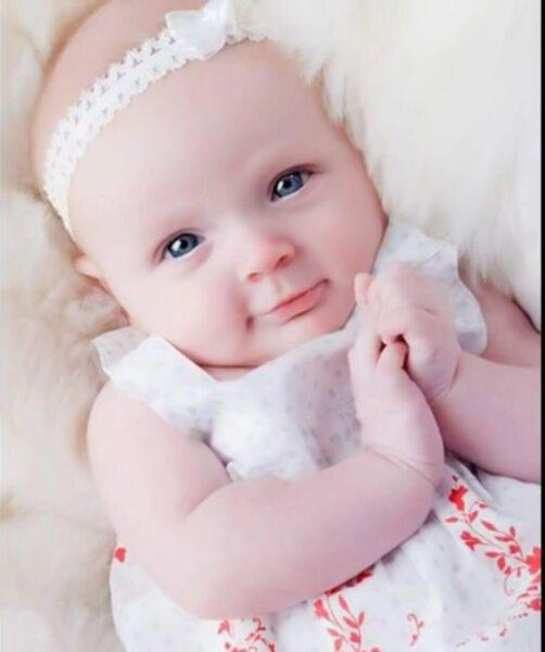 Hình ảnh baby cute, dễ thương nhìn là yêu