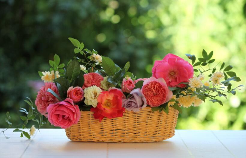 Hình ảnh giỏ hoa để bàn tuyệt đẹp