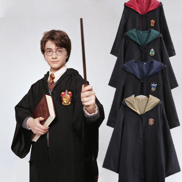 Hình ảnh Harry Potter và những trang phục ma thuật