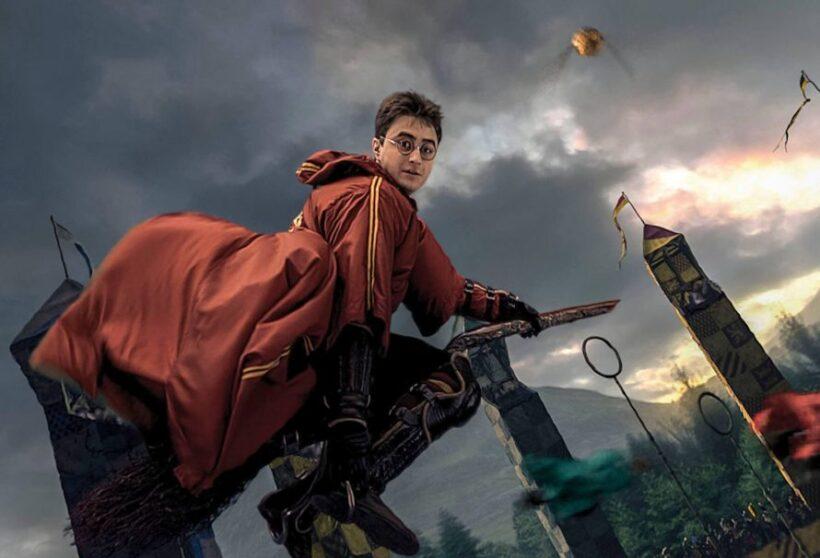 Hình ảnh Hary Potter cưỡi chổi bay siêu ngầu