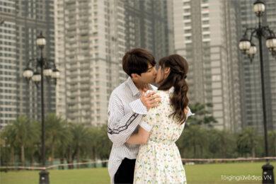 Hình ảnh hôn môi ngọt ngào, say đắm