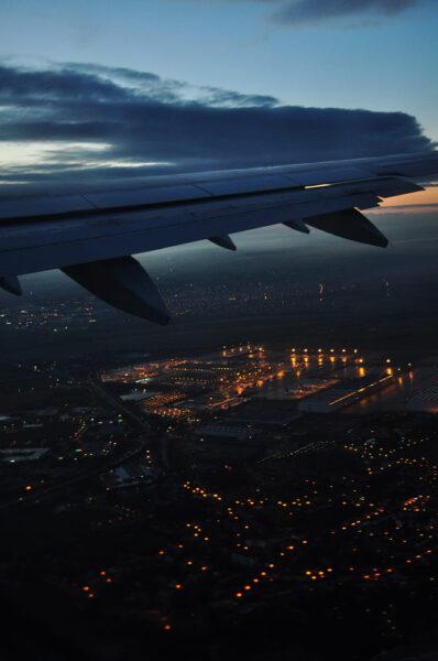 hình ảnh máy bay vào ban đêm
