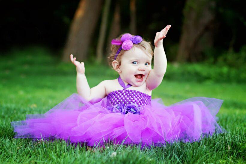Hình ảnh nền baby con gái dễ thương, cute