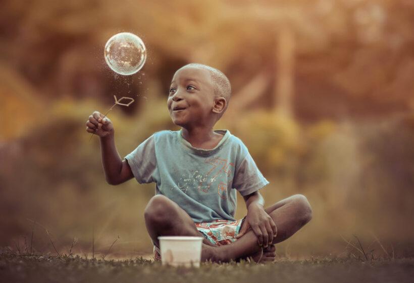 hình ảnh trẻ em châu Phi hồn nhiên