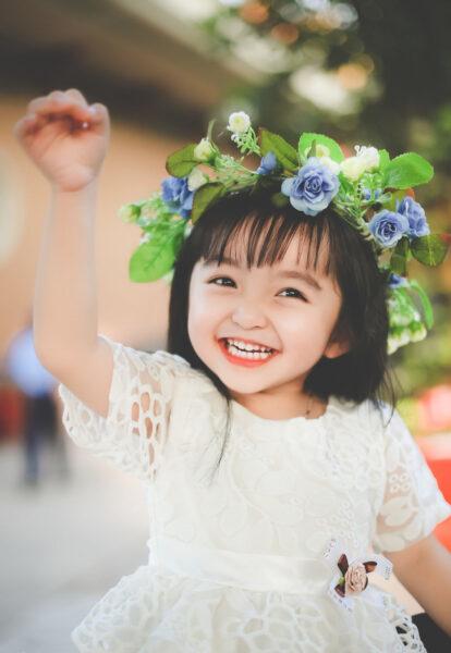 hình ảnh trẻ em cười hồn nhiên
