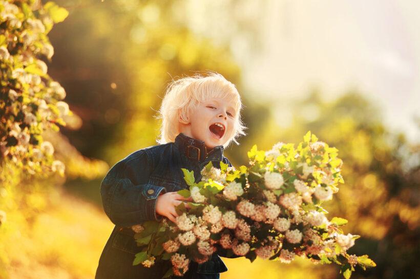 hình ảnh trẻ em vui tươi trong sáng