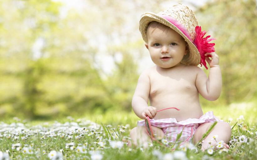 Hình ảnh trẻ sơ sinh dễ thương