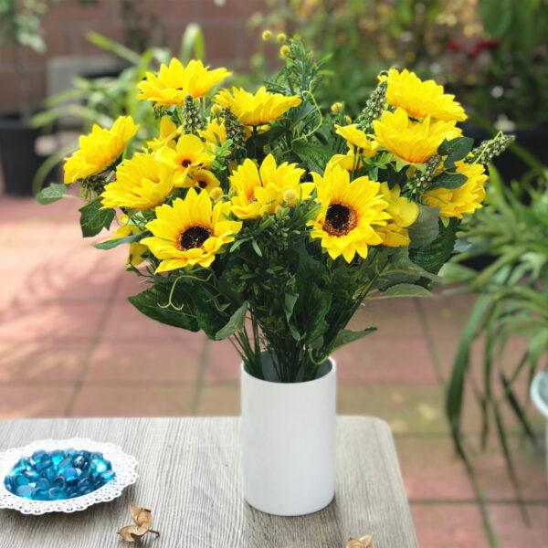 Mẫu hoa để bàn đẹp rực rỡ