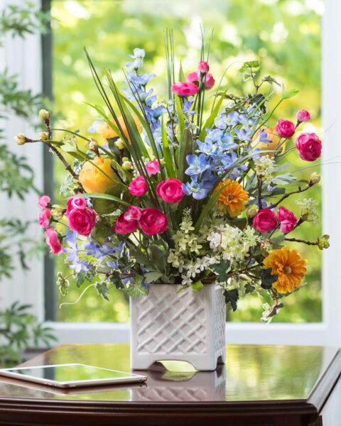 Mẫu hoa để bàn đẹp và lãng mạn