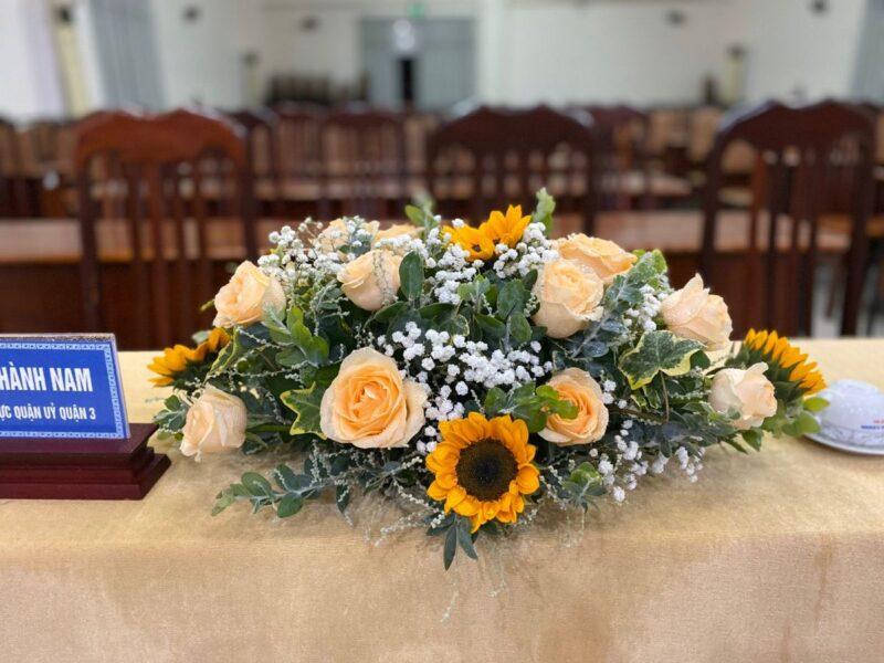 Mẫu hoa để bàn làm việc