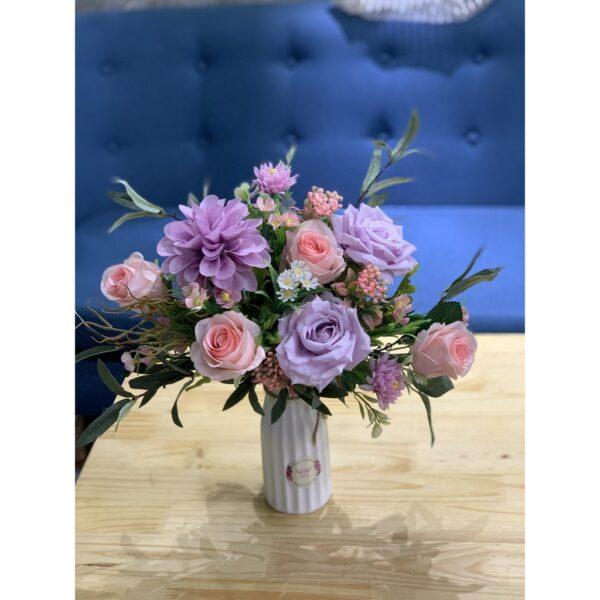 Mẫu hoa để bàn trong nhà