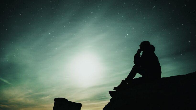 background buồn cô đơn, lạc lõng