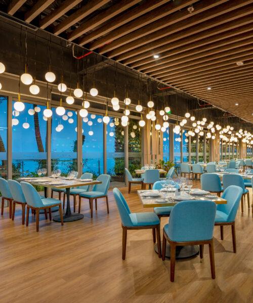 hình ảnh flamingo Cát Bà - không gian nhà hàng