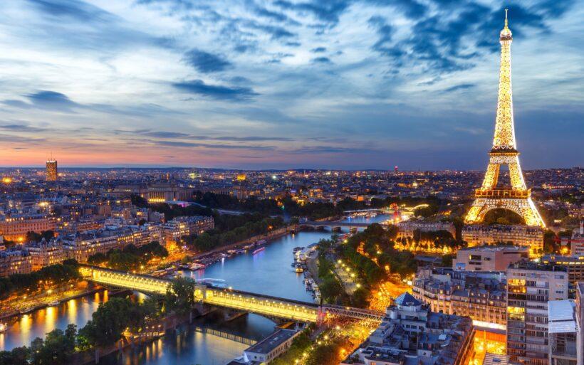 Hình ảnh tháp Eiffel đẹp lung linh ở thành phố Paris