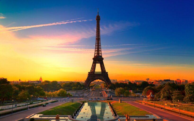 Hình ảnh tháp Eiffel lúc hoàng hôn