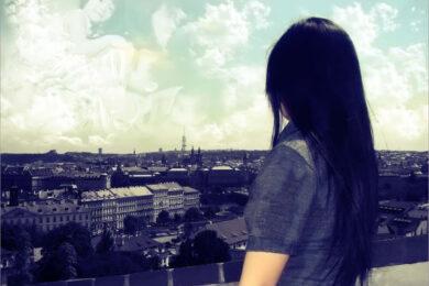 Hình ảnh xa nhà buồn, nhớ nhà đầy cảm xúc