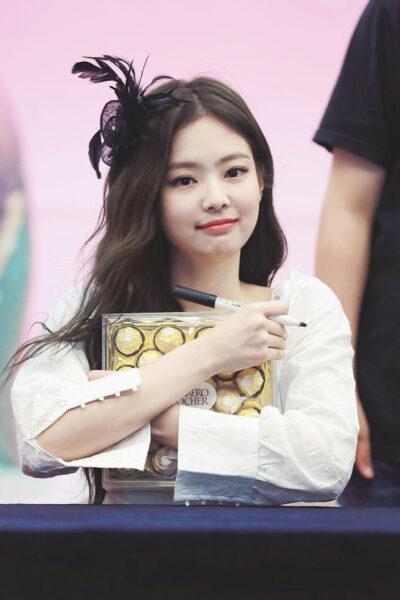 hình ảnh Jennie dễ thương