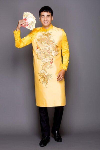 những mẫu áo dài cách tân nam giới đẹp màu vàng