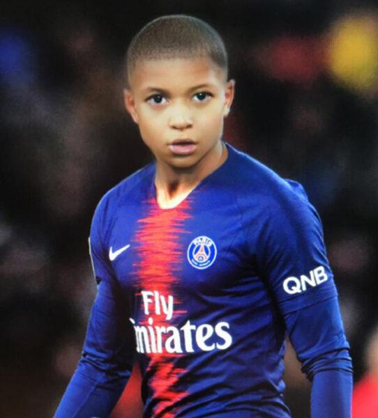 hình ảnh trẻ trâu của cầu thủ bóng đá